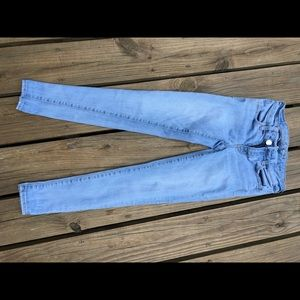 AE light wash blue jeans